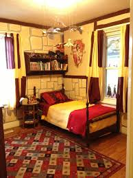 Painting The Bedroom Harry Potter Gryffindor Bedroom Im 26 And Would Still Love