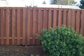 Vinyl fencing Semi Privacy Compare Chain Link Wood And Vinyl Fences Wood Fence Is Seen Meridian Fence Compare Chain Link Wood And Vinyl Fences Pacific Fence Wire Co