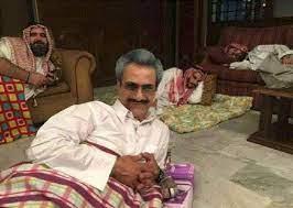 ما حقيقة صورة الوليد بن طلال داخل السجن؟