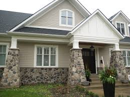 Homes Exterior Stone Accents