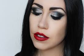 makeup monday morticia addams makeup