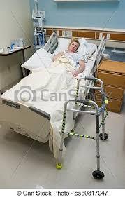 Resultado de imagen de Enfermo en la cama del hospital