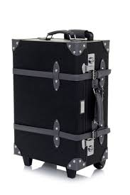 Retro Style Carry-On Luggage by Mezzi // I love this suit case.