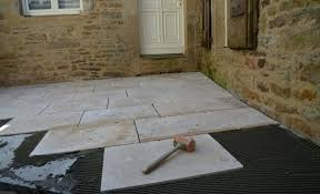 Comment Installer Des Dalles De Terrasse En Les Collant Realiser Une  Terrasse Faire Une Terrasse En . Realiser Terrasse ...