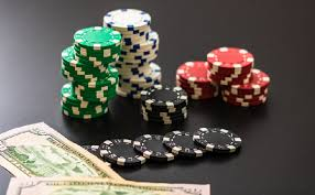 How to avoid losses while playing IDN poker online | Heaps OF Fun