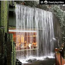 Almoar ou jantar neste restaurante em Hong Kong deve ser muito gostoso no  ? with Don't go chasing waterfalls capture one of your very own at Chi Lin  ...