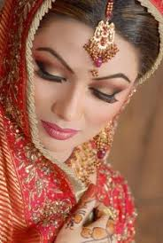 looking up eye shadow tips clues you in on the latest indian bridal styles lol