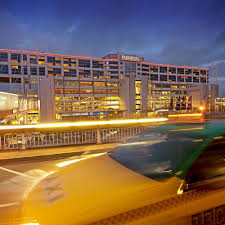 Terrible service, its been five years since i am working at the great rate however the drop off point at the domestic terminal is a long walk for those working in the further terminals. Parkroyal Melbourne Airport Qantas Hotels