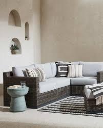 outdoor patio furniture decor