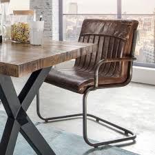 Freischwinger Sessel Leder An Einem Esstisch Aus Holz Id