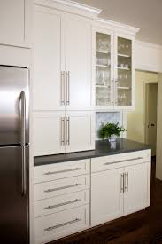 Kitchen Cabinet Pull Placement 25 Best Ideas About Kitchen Cabinet Hardware On Pinterest