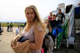 Finlandiya'dan gelen yılın ilk turist kafilesi Antalya'da