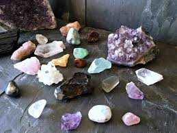 A Beginner's Guide to Healing Crystals | Habits of a Modern <b>Hippie</b>