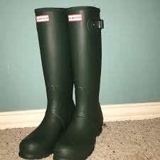 hunter boots size 6 hunter shoes forest green boots 6 poshmark