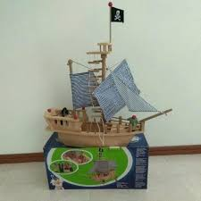 photo wooden pirate ship toy plans
