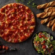 photo of round table pizza yuba city ca united states