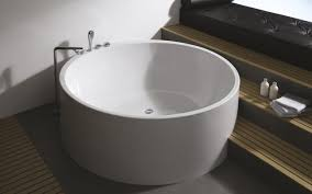 aquatica imagination wht freestanding acrylic bathtub 01 web