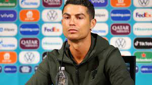 Coca Cola: Milliardenverlust nach Ronaldo-PK? - ZDFheute
