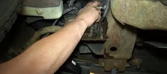 Chevrolet Silverado 1999-2006 GMT800 How to Flush Change Radiator ...