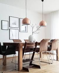 Dark Wood Ein Wunderschöner Esstisch Und Stühle Im Dunklen
