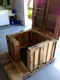 DIY Dog House Made From Pallets   Pallets Designsdiy pallet dog house