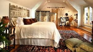 Interior:Elegant Country Moroccan Style Bedroom Interior Decorating With  Classy Rug On Wooden Floor Elegant