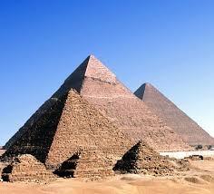 معلومة مذهلة … سر بناء الأهرامات موجود في القرآن من عشرات القرون فيديوا