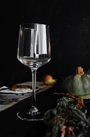 Conjure Up A Dramatic Halloween Table Setting Home Info .