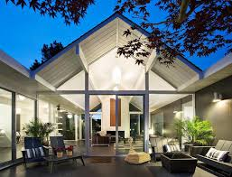 interior courtyard surrounded by 4 gables house by klopf architecture modern house designs