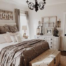 Beautiful 51 Rustic Farmhouse Bedroom Design Ideas   Digging This Color Palate