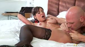 Kendra Lust gonna pump her nipples and pussy HDZog