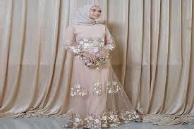 Fashion muslim 30 model baju kondangan muslim 2020 kekinian banget categories model gaun pesta cek 30 model baju kondangan kekinian 2020 disini ada baju kondangan muslim syar i. Cantik Dan Menawan 7 Model Baju Pesta Muslim Sederhana Ini Cocok Banget Buat Kondangan
