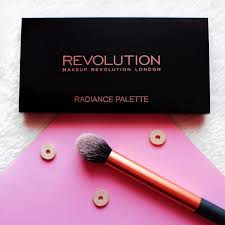 review swatches makeup revolution highlighter radiance palette