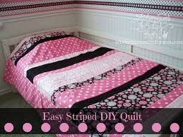 How to Make a Quick and Easy Striped Quilt - Adventures of a DIY Mom & How to Make a Quick and Easy Striped Quilt Tutorial Adamdwight.com