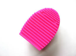 the body brush cleaner fingers