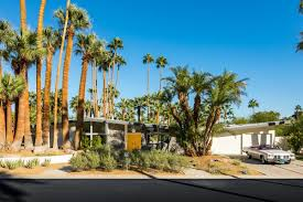 Futuristic Homes For Sale 10 Dreamy Palm Springs Homes For Sale Right Now Curbed