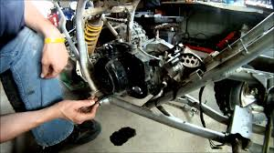 yamaha blaster engine rebuild yamaha blaster rebuild part 3 of 6 engine covers and clutch