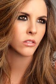 María Mercedes Cuesta, presentadora de televisión, sanada por el amor de Dios de anorexia y bulimia - maria-mercedes_cuesta