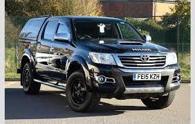 Toyota Hilux 3.0D4D Invincible X Navigation Crewcab Pickup Black ...