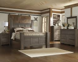image great mirrored bedroom. Juararo 5 Pc. Bedroom - Dresser, Mirror \u0026 Queen Poster Bed Image Great Mirrored T