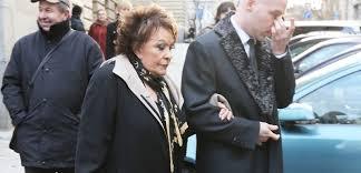 Jířo Bude Se Mi Stýskat řekla Bohdalová Na Pohřbu Jiráskové Týdencz