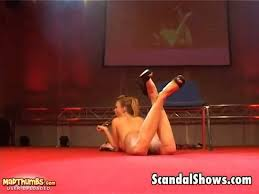 Strippers who masturbate on stage