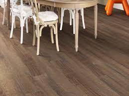 shaw charleston floating vinyl plank flooring 5 91 x 36 84 18 14 sq ft pkg at menards