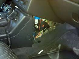 solved fuse box locations for a 2005 pontiac g6 fixya you re looking for a reddish color 10 fuse located on the bottom right in the fuse box this should be the fuse for the instrument panel hope that helps