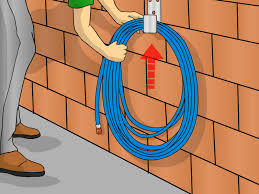 how to keep a garden hose from freezing
