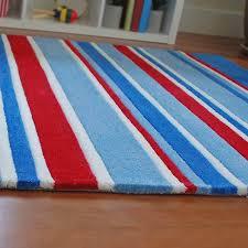 lined up kids rug blue red