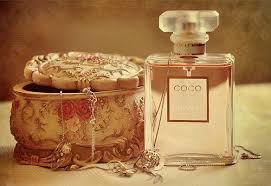 لعطري رائحته الجميلة images?q=tbn:ANd9GcQ