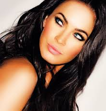 how to style your makeup like megan fox if you look at pictures of megan you ll notice that she uses one makeup trick various times