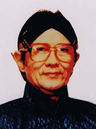 Misteri Monas: Wanita Di Obor Api Tugu Monas Jakarta, Nyi Roro Kidul??