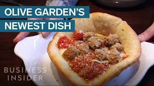 we tried olive garden s new meatball pizza bowl